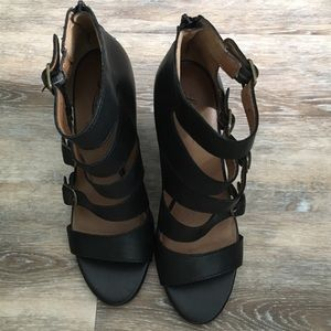 Lucky Brand black leather wedge sandals Size 7 1/2
